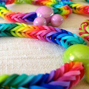pulsera de gomita de colores para personalizarlas y hacerlas en casa
